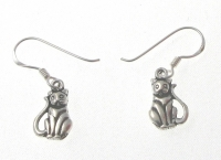 E169 Silver cat earrings