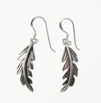 E87 Feather earrings