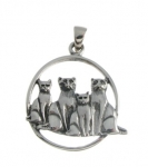 WP121 Family of cats pendant