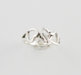 R148 Interlocking hearts