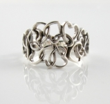 R149 Interlocking Hearts