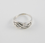 R157 Swirl interwoven Ring
