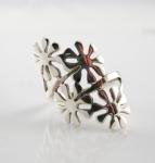 R124 Flower cluster ring