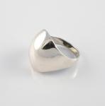 R167 Hollow bulbous ring