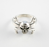 R297 Skull and crossbone ring