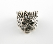R280 Flaming skull ring