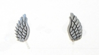 S153 Angel wing studs
