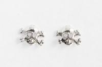 S22 Silver Skull and Cross bones studs